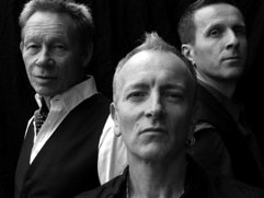 Manraze - Phil Collen front centre