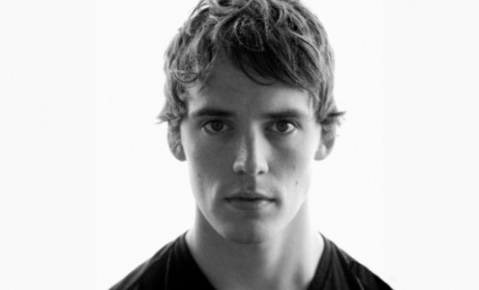 Sam Claflin Image