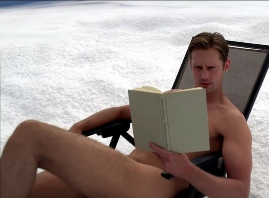 Eric Northman nude reading sunbath True Blood Season 6 finale