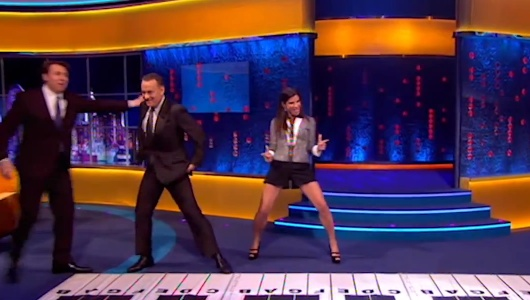 Tom Hanks And Sandra Bullock Re-Enact Piano Scene From Big