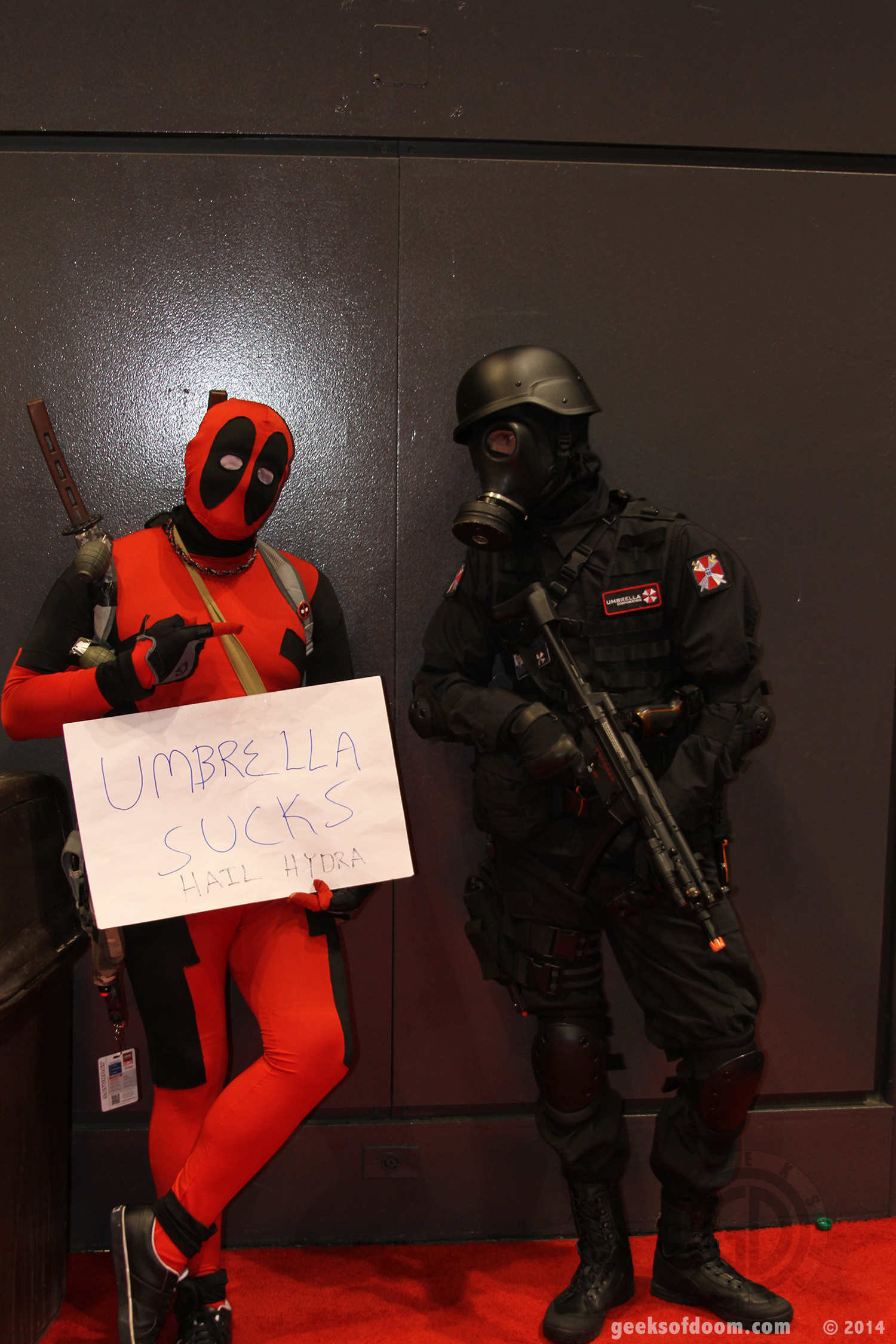 C2E2-2014-deadpool-umbrella-corp-cosplay