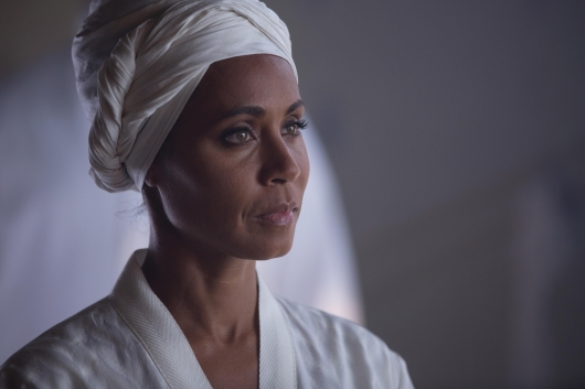 Gotham Episode 1.17 Red Hook Fish Mooney