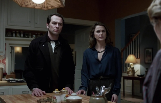 """The Americans 3.10 """"Stingers"""""""