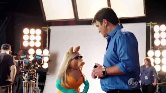 The Muppets Nathan Fillion Miss Piggy