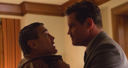 Josh Brolin and George Clooney in Hail, Caesar!