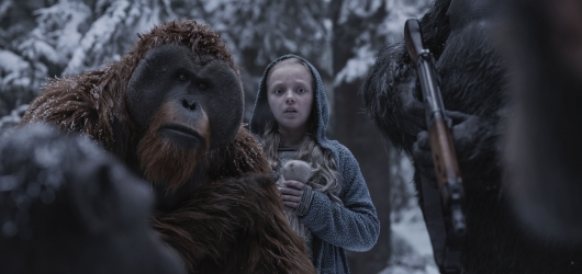 Karin Konoval, left, and Amiah Miller in Twentieth Century Fox's War for the Planet of the Apes