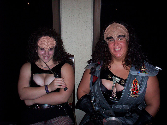 Cosplay Girls: Klingon With Cleavage