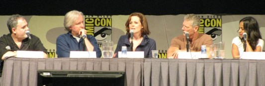 SDCC 09: Avatar Panel. (left to right) Jon Landau, James Cameron, Sigourney Weaver, Stephen Lang, and Zoe Saldana