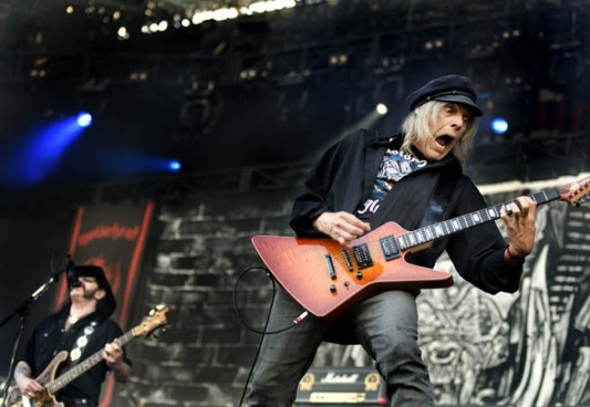 Würzel from Motörhead guests on stage with his former band at Donington 2008