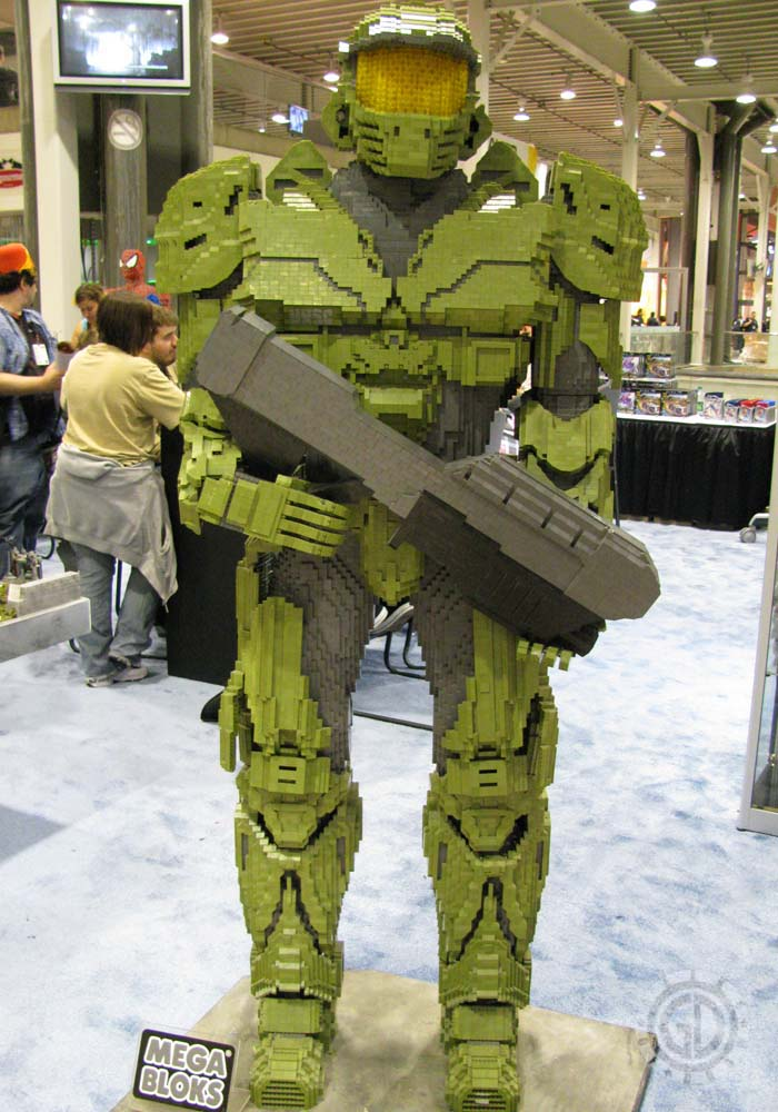 Nycc 2011 Preview Night Halo Master Chief Mega Bloks Statue
