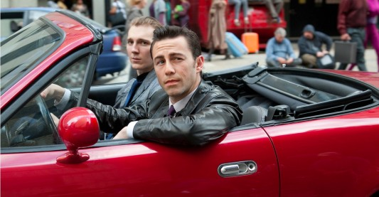 LOOPER: Joseph Gordon Levitt and Paul Dano
