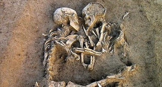 Lovers of Pompeii Image
