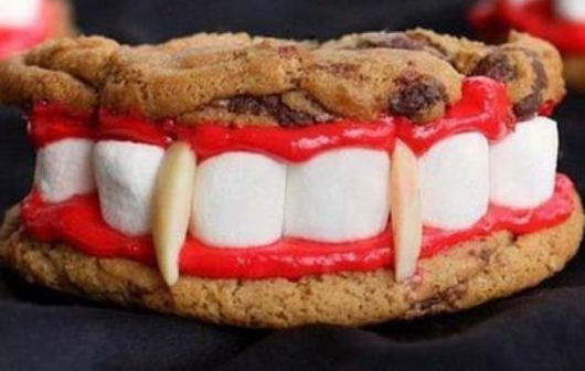 Vampire Teeth Cookies