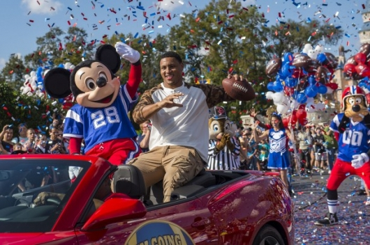 Disney World Super Bowl Parade Malcolm Smith 2014