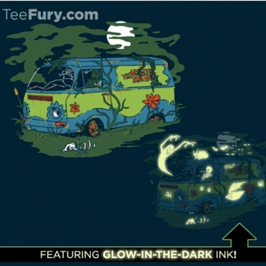Scooby-Doo Haunted Old Van Glow-In-The-Dark Shirt