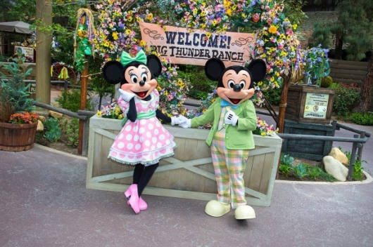 Disneyland Minnie Mouse and Mickey Mouse Springtime Roundup at Big Thunder Ranch Jamboree