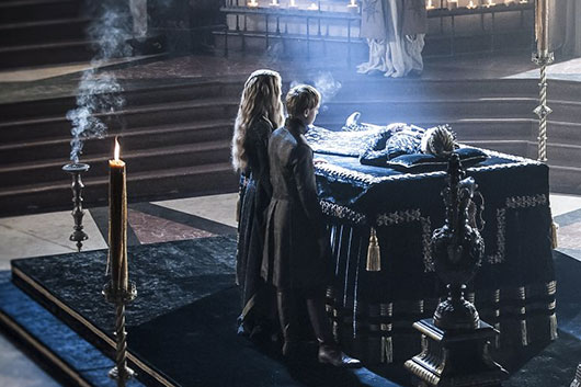 Game Of Thrones Season 4 Episode 3 King Joffrey in the sept with Cersei and Tommen