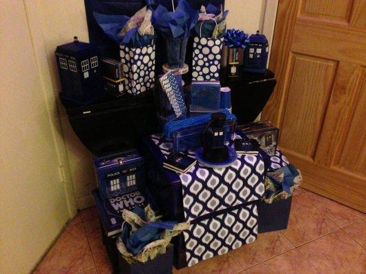 Doctor Who TARDIS party decor