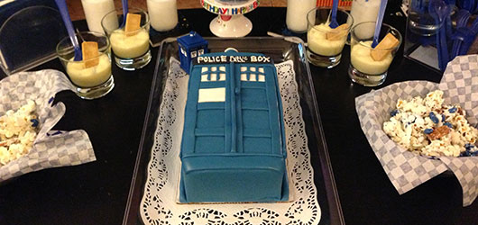 Doctor Who Tardis Cake Party Decorations