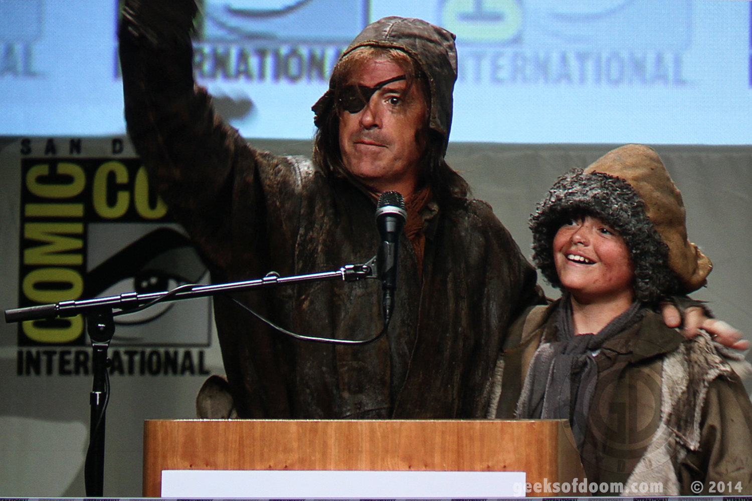 the-hobbit-battle-of-five-armies-stephen-colbert-and-son-01