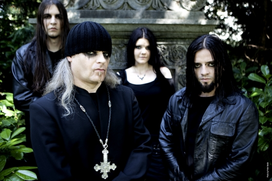 Triptykon Band Photo Color
