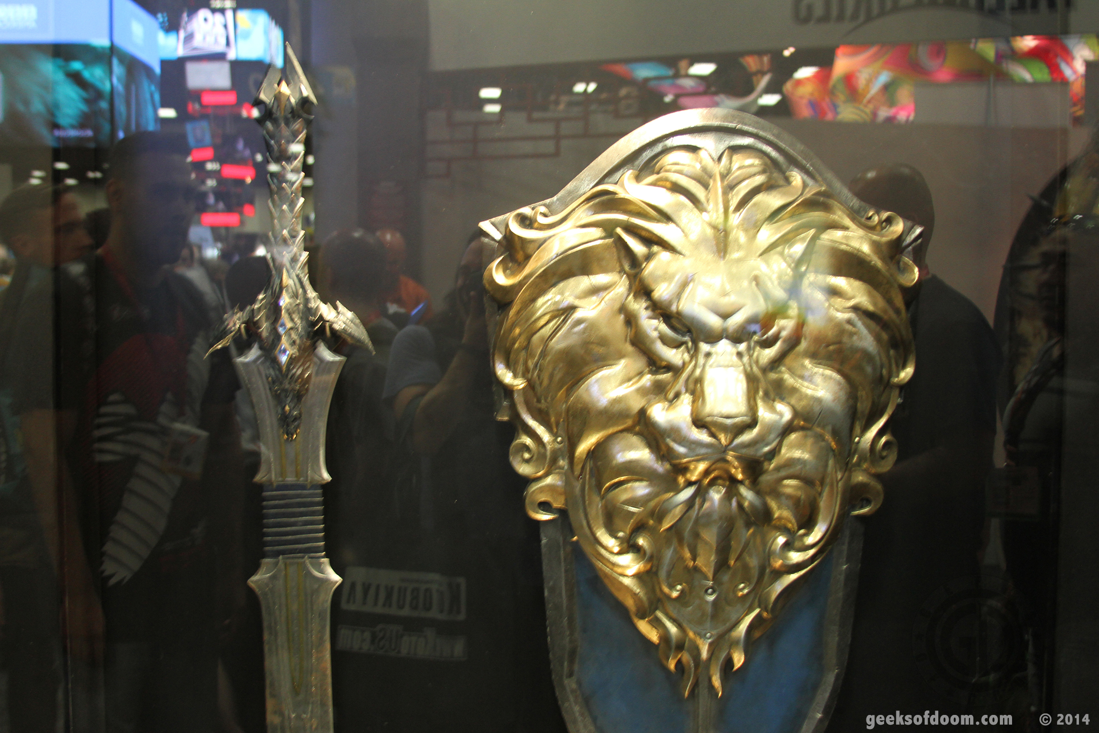 sdcc 2014 legendary booth warcraft dragon sword and lion
