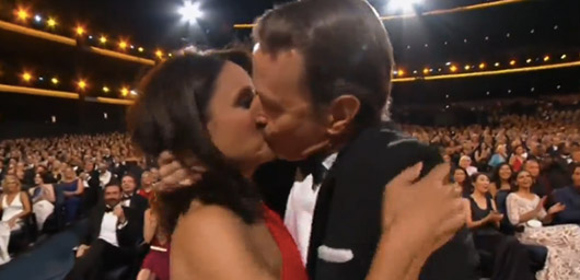 Julia Louis-Dreyfus and Bryan Cranston Reunite With A Kiss At The Emmys 2014