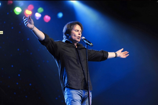 Survivor Singer Singer Jimi Jamison on stage in 2012