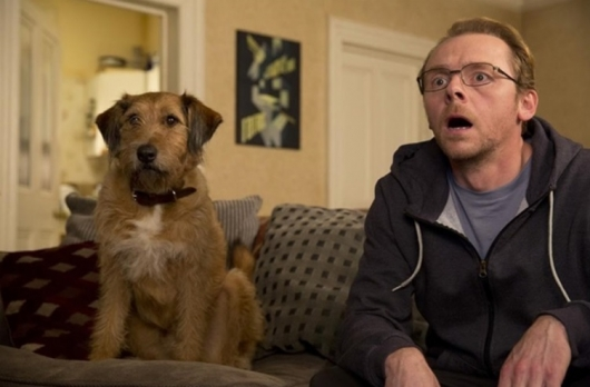 Simon Pegg and Dennis (Voiced by Robin Williams) in Absolutely Anything