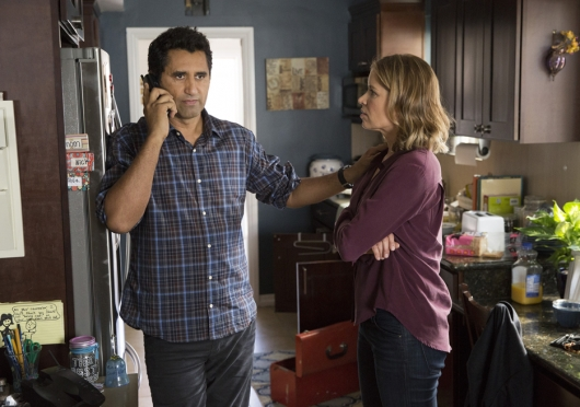 Fear The Walking Dead Travis (Cliff Curtis) and Madison (Kim Dickens) Photo by Justin Lubin /AMC