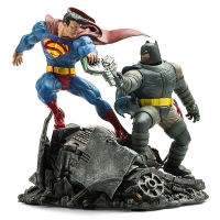 The Dark Knight Batman vs. Superman Statue