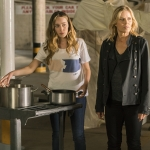 Alycia Debnam-Carey as Alicia Clark, Kim Dickens as Madison Clark - Fear the Walking Dead