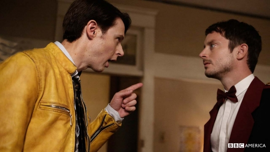 Samuel Barnett as Dirk Gently, Elijah Wood as Todd