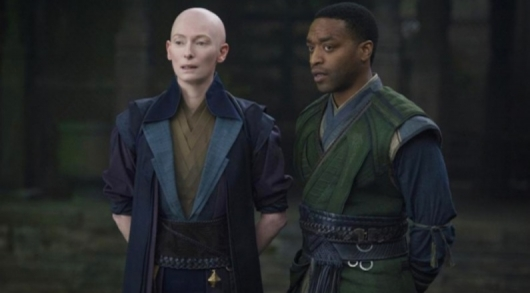 Tilda Swinton and Chiwetel Ejiofor in Marvel's Doctor Strange