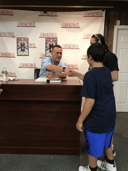 Bruce Campbell Book Signing 01