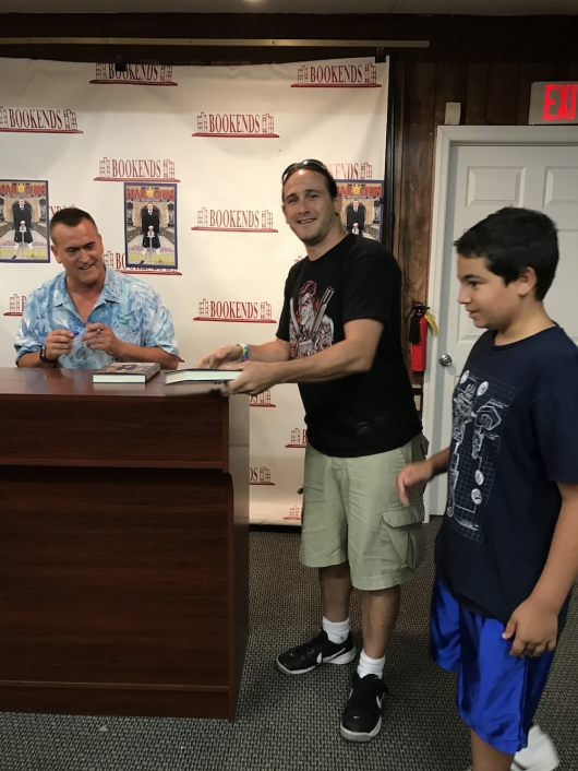 Bruce Campbell Book Signing 03