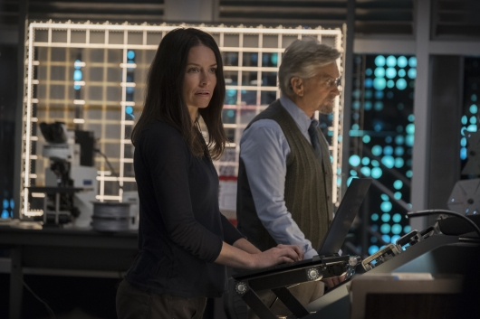 The Wasp/Hope van Dyne (Evangeline Lilly) and Hank Pym (Michael Douglas)