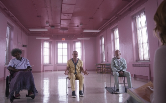 Glass starring Samuel L. Jackson, James McAvoy, and Bruce Willis